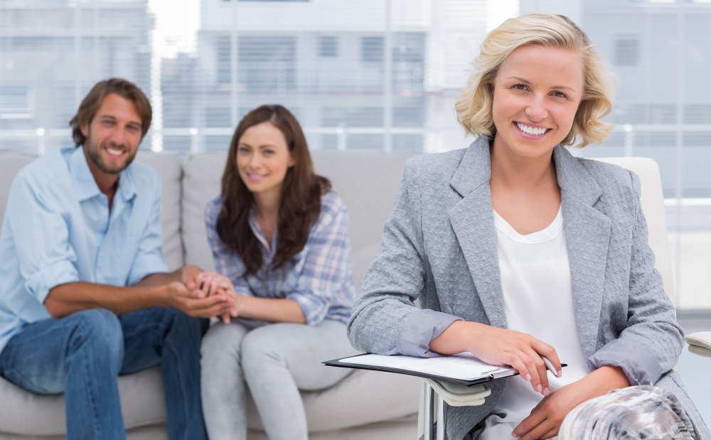 Paartherapeut werden: Die richtige Ausbildung, Selbstständigkeit und der Weg zu den ersten Klient*innen